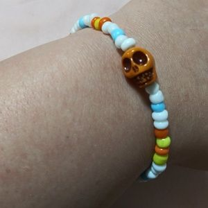 Jewelry - 💛💀Yellow skull skeleton beaded bracelet💀💛